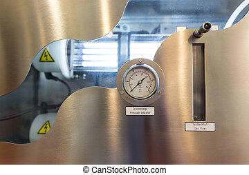 Pressure indicator and Gas flow measuring - Pressure...