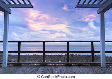 Woody Point Jetty at sunset - Woody Point Jetty in Redcliffe...