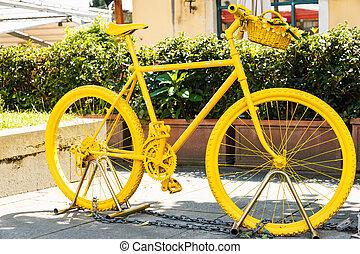 Yellow painted mountainbike