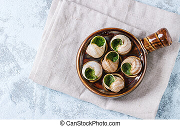 Ready to eat Escargots de Bourgogne snails - Escargots de...
