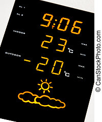 Home weather station. Low temperatures - Digital home...