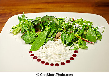 Green salad with vegtables.