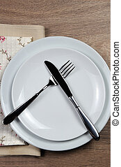 Dining etiquette - I still eat, do not like. Fork and knife...
