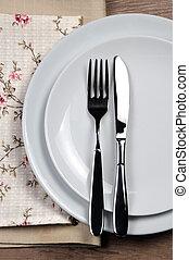 Dining etiquette - I still eat, finished. Fork and knife...