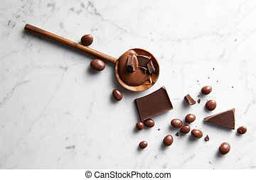 wooden spoon with chocolate - wooden spoon with caramel,...