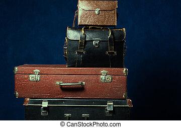 viejo, Pila, maletas