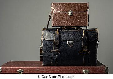 cuero, fotógrafo, viejo, maletas
