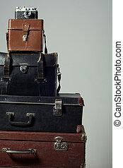 Pila, cámara, viejo, andrajoso, maletas