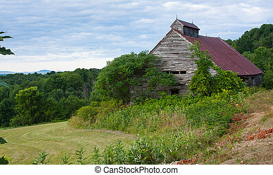 titcomb hill barn - Barn located on Titcomb Hill in...