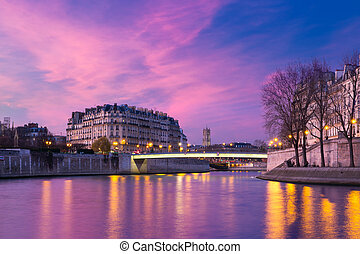 Ile de la Cite at sunset, Paris, France - Picturesque...