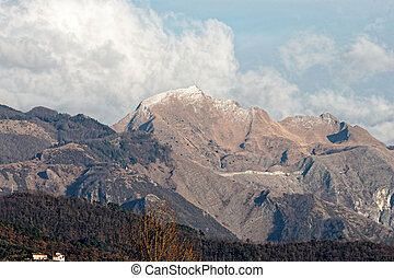 view of apuan alps in tuscany