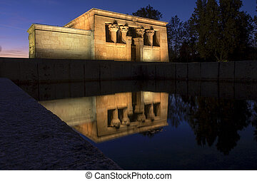 Temple of Debod reflections - Temple of Debod illuminated at...