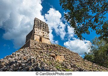 El Mirador mayan pyramid, Labna ruins, Yucatan, Mexico