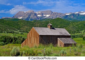 Beautiful mountain barn - This beautiful mountain barn is in...