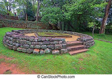Sigiriya archeological site - Ruins of ancient palace...