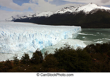 Glacier Perito Moreno - View to the glacier with nearby...