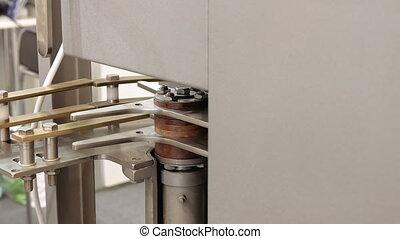 Mechanical equipment for bottling - Bottling and sealing...