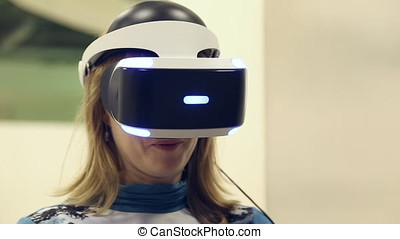 Individual 3D display virtual reality on a head of a woman