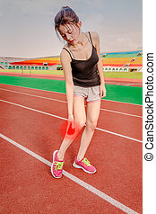 Chinese jogger with injured leg, throbbing pain - Asian...