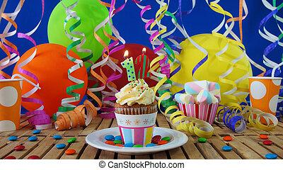 blu, plastica, colorito, urente, Caramelle, Candele,  Cupcake, rustico, legno, compleanno, fondo, tavola, palloni, campanelle, parete