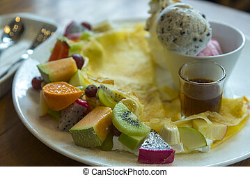 Ice-cream fruit crape