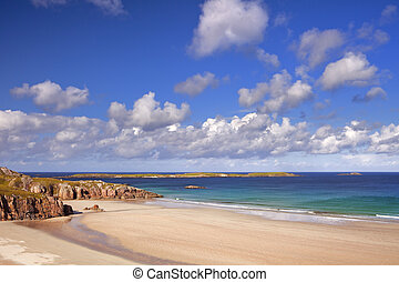 Remote beach on a sunny day, northern coast of Scotland - A...