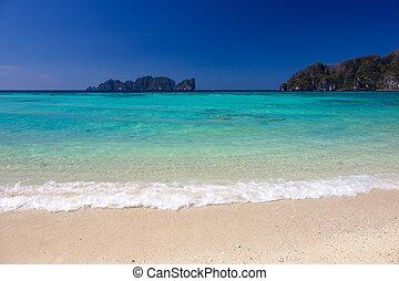 Long Beach in Thailand - Beautiful Long beach at Phi-Phi...