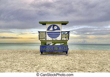 wooden beach hut in Art deco style im south beach