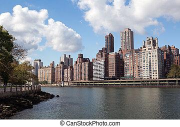 Manhattan from Roosevelt island - Manhattan buildings as...