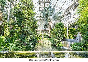 Botanical garden greenhous. - Botanical garden greenhouse...