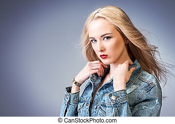 healthy blonde hair - Portrait of a beautiful young woman...