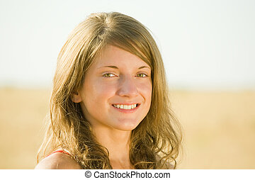 young woman in field - Happy young woman in the wheat field