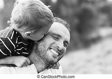 beijando, pai, criança