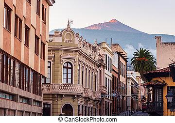 Teide seen from La Orotava at sunrise. Orotava, Tenerife,...