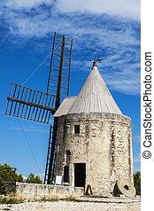 Moulin de Daudet. Fontvieille, Provence-Alpes-Cote d'Azur,...
