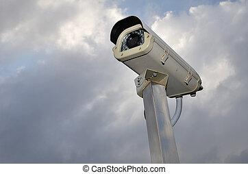 セキュリティー, カメラ, 空, に対して, 曇り