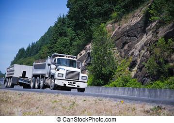 Old retro small semi truck_two touring trailer - Old retro...
