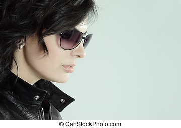 Beautiful woman portrait with sunglasses