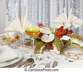 Elegant dinner table 2
