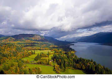 Columbia River Gorge Cape Lookout point of view landscaping...