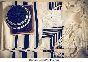 Talit, Kippah and Siddur - Jewish ritual objects - Jewish...