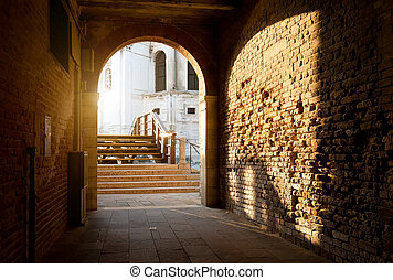 Arch and brick walls - Arch and old brick walls in Venice,...