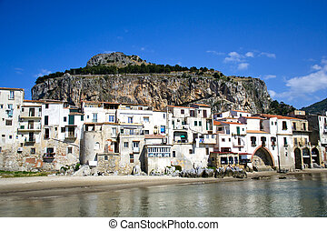 Cefalù, Palermo - Sicilia - Splendida costa di Cefalù,...