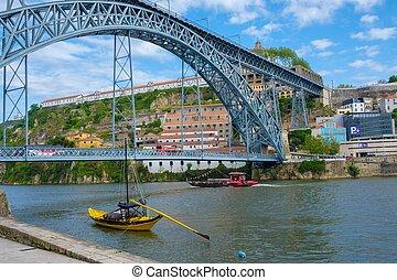 Dom Luis bridge over the Douro river in Porto, Portugal.