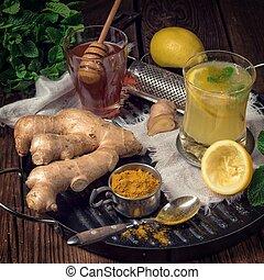 lemon- ginger lemonade with honey