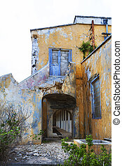 Abandoned quarantine building on Curacao - Old abandoned...