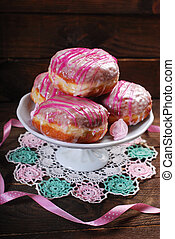 donuts with icing glaze - homemade donuts with white and...