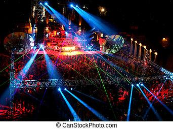 bailando, gente, noche, Al aire libre, concierto