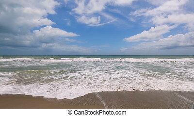 Atlantic Surf Loop - Loop features foamy gentle waves...