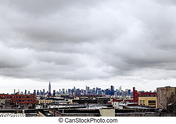 Manhatan Skyline Viewd from Brooklyn - The Manhattan skyline...